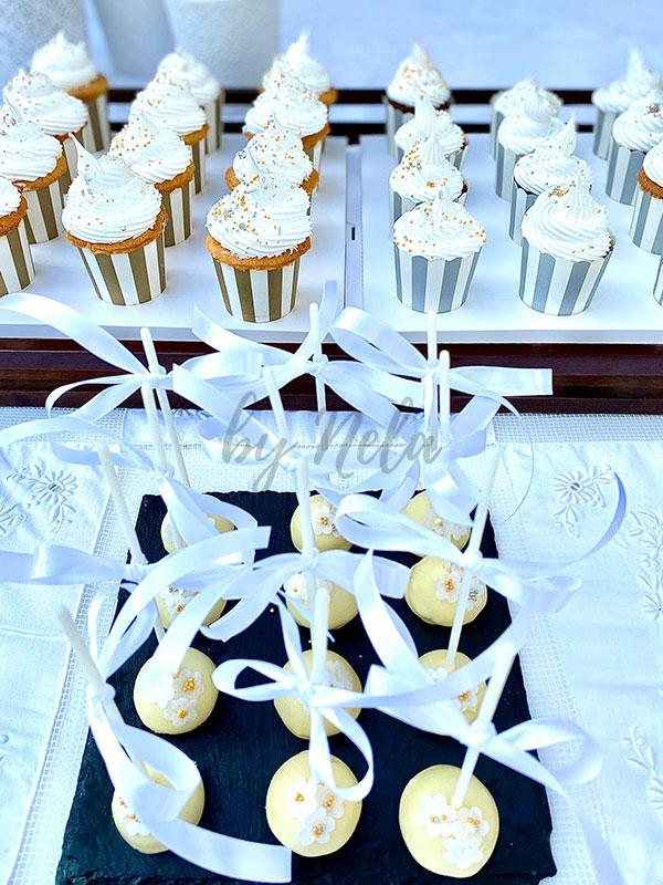 Detalle mesa dulce con merengue